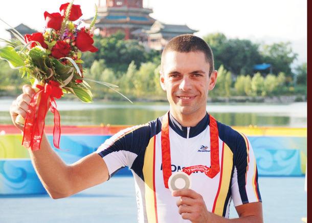Carol Eduard Novak a devenit primul român din istorie care câştigă o medalie de aur la Jocurile Paralimpice de la Londra