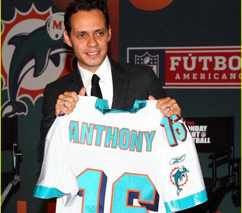 """Cel mai celebru acţionar al lui Miami Dolphins e din nou """"disponibil""""! Marc Anthony s-a despărţit de iubita lui"""