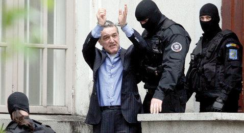 """Becali riscă 11 ani şi 6 luni de închisoare în """"dosarul sechestrării""""!"""