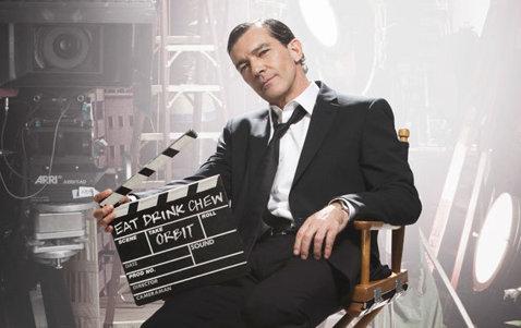 """Antonio Banderas """"joacă"""" pentru Orbit, în campania publicitară din 2013"""