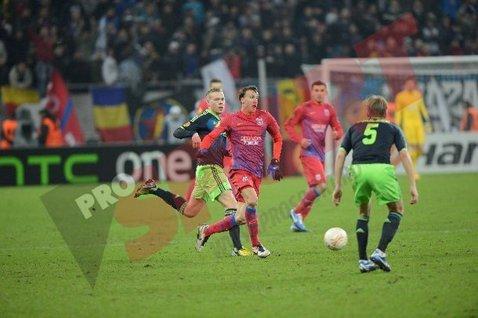Final tragic pentru un fan al Stelei! A făcut infarct şi a murit în timpul partidei cu Ajax
