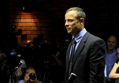 Trăiesc un coşmar! Fratele lui Oscar Pistorius, inculpat pentru omor din culpă