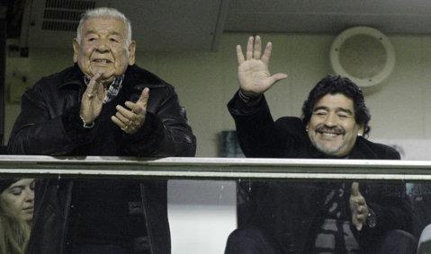 Diego Maradona a revenit în Italia după mai mult de două decenii