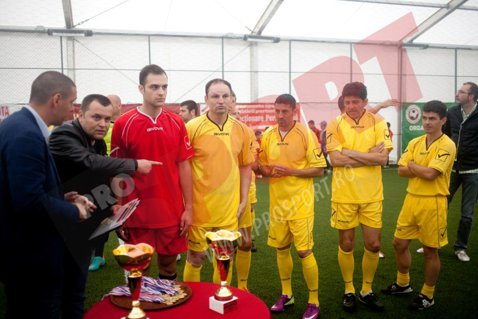 FOTO Latovlevici, Rusescu, Pancu şi Dănciulescu, colegi de echipă într-un meci demonstrativ organizat de Toni Doboş