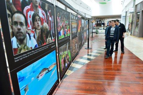 """Expoziţie de fotografie Mediafax Foto """"Best of 2012"""" în Băneasa Shopping City"""