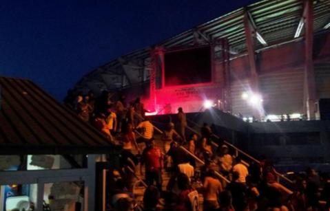 Au creat haos pe străzile din Skopje! FOTO şi VIDEO Fanii Stelei şi cei ai lui Vardar s-au ciocnit înaintea meciului! De la ce a pornit scandalul