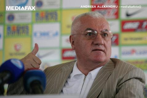 Farsă cu Dumitru Dragomir! Florin Scurtu loveşte din nou: l-a păcălit pe şeful LPF, care vrea să vândă apartamente ziariştilor - AUDIO