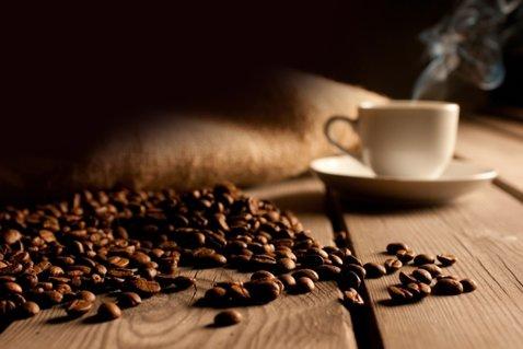 Cum se prepară o cafea bună la ibric. Greşeala pe care o facem majoritatea dintre noi