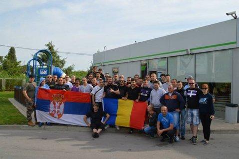 FOTO | Unitate în Balcani. Ultraşii croaţi, bosniaci, sârbi şi români au mers în zonele afectate de inundaţii pentru a-i ajuta pe cei afectaţi de calamităţi