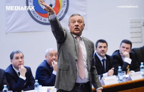 Contractul lui Sandu cu FRF va fi supus aprobării Adunării Generale din 28 iunie