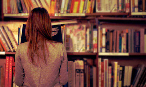"""Ce înseamnă să fii autor de cărţi de sport în România: meserie sau hobby? """"Lumea încă are senzaţia că sportul şi cartea nu se împacă"""". Cum poate Simona Halep să revitalizeze un domeniu accesat de 7% dintre cititori"""