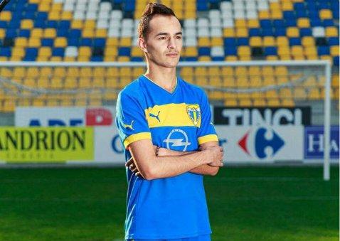 """Azi căpitan, mâine doar elev la liceu. Vlad Radu a învins cancerul, dar nu mai poate juca niciodată fotbal: """"Mă gândesc doar la facultate acum. Nu vreau la Bucureşti, îmi aminteşte că am fost bolnav"""""""
