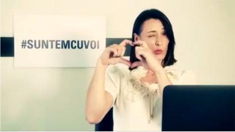 O triplă campioană olimpică imită emoticoane: Cătălina Ponor îşi distrează fanii pe internet