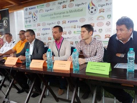 Minifotbalul în România: jucătorii sunt în continuare amatori, iar naţionala se află în drum spre al cincilea titlu european. Consiliul Judeţean Buzău şi Juventus Sibiu şi-au disputat Supercupa
