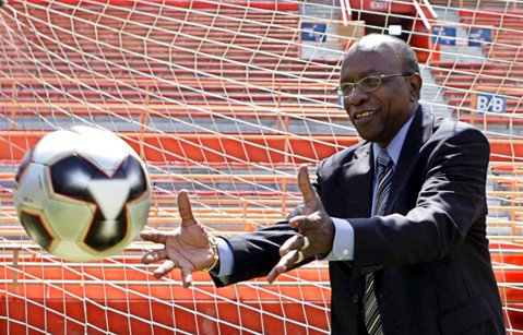 Jack Warner, fost vicepreşedinte al FIFA, a fost suspendat pe viaţă din fotbal
