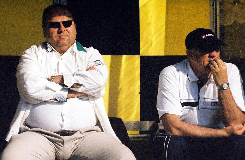 """Gheorghe Ştefan, condamnat la trei ani de închisoare cu executare şi confiscarea a 3 milioane de euro în dosarul """"Microsoft"""". """"Niro"""", sponsorul naţionalelor de handbal, a fost condamnat cu suspendare"""