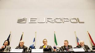 Anchetă Europol: Mafia rusă practică spălarea banilor prin intermediul unor cluburi de fotbal din Europa