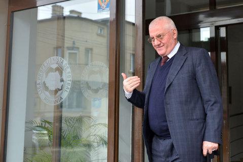 """Fostul preşedinte al LPF, Dumitru Dragomir, condamnat la şapte ani de închisoare! """"Vor să mă bage la puşcărie nevinovat!"""""""