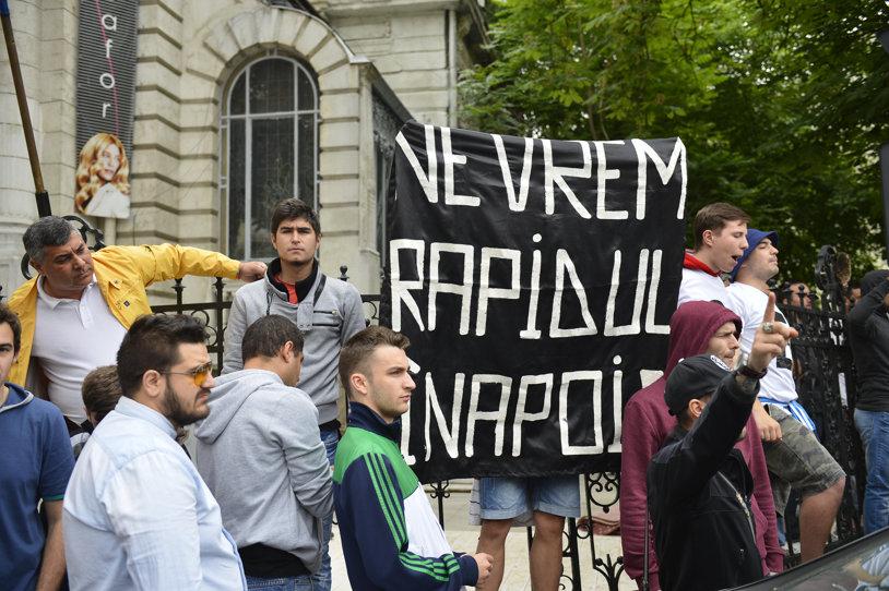 """Ruptura se adânceşte între giuleşteni. Horia Manoliu, preşedintele AFC Rapid, contraatacă: """"Mişcarea Feroviară e o clonă! Noi suntem adevăratul şi unicul Rapid"""". Copos şi Moraru, renegaţi de toată lumea"""