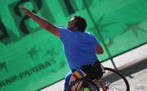 """Povestea motivaţională a campionului naţional la tenis în scaun rulant: """"Apreciez fiecare moment petrecut pe teren!"""". De Ziua Naţională, Ionuţ Filişan afirmă cu mândrie: """"Sunt multe bucăţi din România pe care le-am lăsat în deplasări"""""""