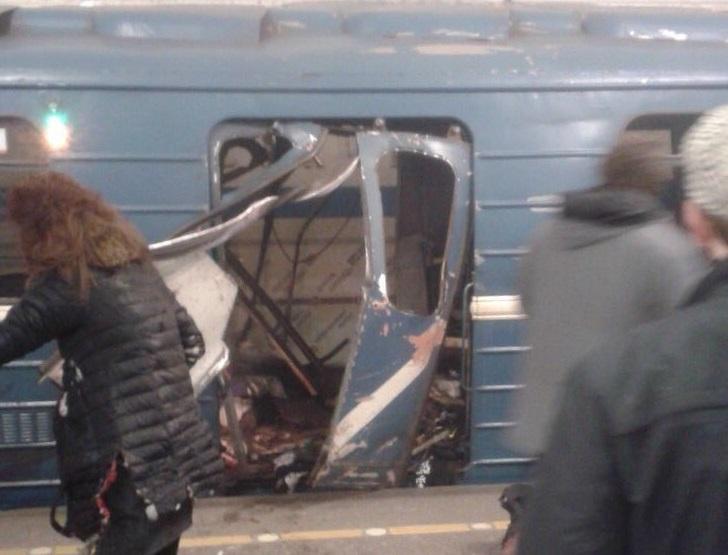 Breaking news | Şoc în oraşul în care antrenează Mircea Lucescu! O bombă a explodat în metroul din Sankt Petersburg. VIDEO Imagini surprinse la faţa locului. Reacţia oficială a clubului Zenit