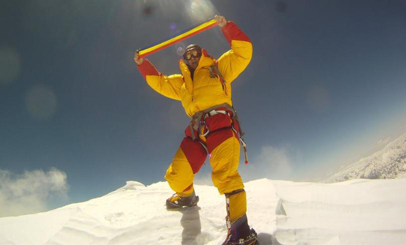 Performanţă fantastică pentru Horia Colibăşanu: a cucerit vârful Everest fără şerpaşi sau oxigen suplimentar, în premieră naţională!