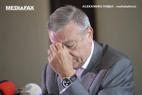 """""""Încă o pată aruncată pe imaginea Federaţiei!"""" Reacţie dură din interiorul FRF după ce Mircea Sandu a fost pus sub acuzare de DIICOT"""