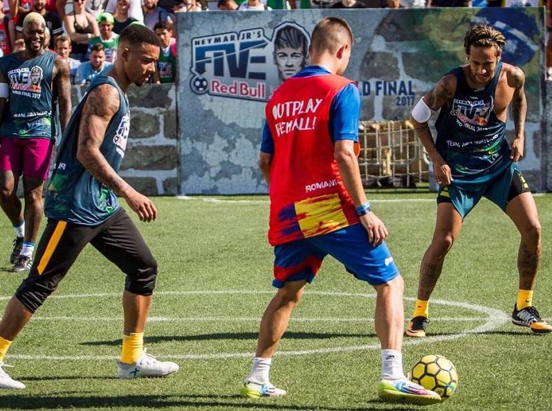 """Fotbalistul român amator care l-a impresionat pe Neymar. """"Trăiesc mai mult decât un vis"""". Campionul mondial la fotbal în 5 aşteaptă o ofertă din fotbalul mare. """"Vreau doar şansa să dau nişte probe"""""""