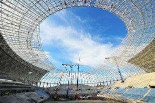 """Dialog cu un arhitect despre stadionul din Craiova: """"Primul studiu de fezabilitate nu a fost 100% corect, dar modificările au fost luate în calcul de la început. Studiul geotehnic iniţial n-a fost bun. În mod normal, ar trebui să existe penalizări"""""""