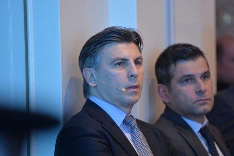 """Lupescu loveşte cu pumnalul ironiei: """"E o mare diferenţă să faci revista presei la Cotroceni şi să fii preşedintele FRF"""""""