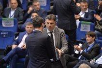 """Colegii din generaţia de aur regretă că l-au convins pe Lupescu să lase UEFA pentru a candida la şefia FRF: """"Ne e ruşine că l-am băgat pe Ionuţ în porcăria asta!"""". Lupescu nu se va mai întoarce niciodată. Cum au ajuns învingătorii Angliei şi ai Argentinei """"trădători de ţară"""""""