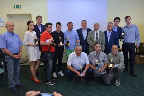 Jurnalistul Adi Dobre a luat premiul pentru cea mai bună carte sportivă la Gala APSR. Cine sunt ceilalţi câştigători