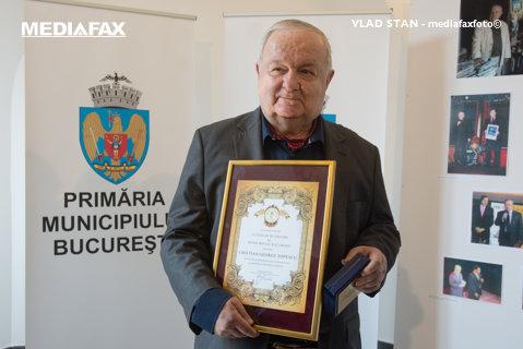 """Cristian Ţopescu se simte mai bine. Medicii de la Spitalul Elias: """"Este conştient şi cooperant"""". Fostul comentator va fi supus mai multor analize"""