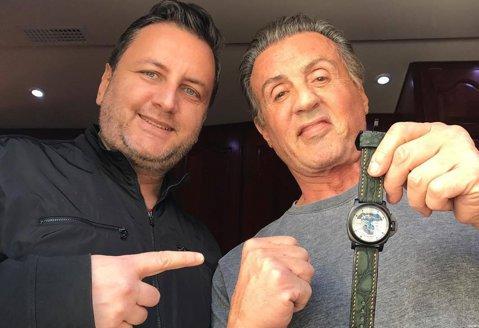 Omul care a construit eroi la Superkombat, Eduard Irimia, a intrat în industria producătorilor de film. Florian Munteanu, partenerul lui Stallone în Creed 2, va fi premiat, luni, în România. Cum a ajuns protagonistul din Rocky să lucreze cu cei doi români