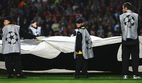 Ford aduce cititorii ProSport în mijlocul acţiunii Uefa Champions League