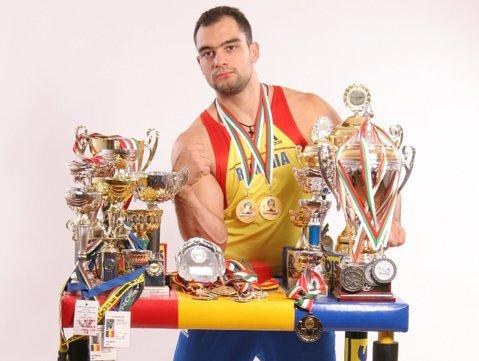 Adevărata confruntare a candidaţilor e diseară la 19:00, în direct la Sport.ro!