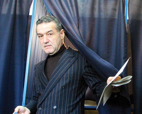 Becali a intrat în marja de eroare la alegeri! Băsescu şi Geoană în turul doi
