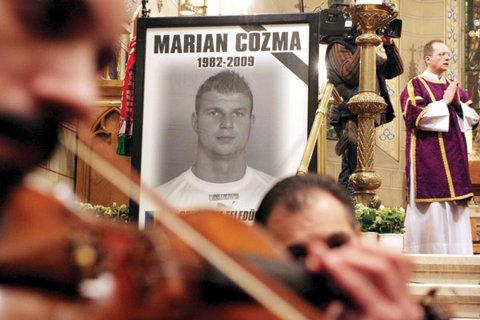 Se schimbă sentinţele? Verdictul în cazul ucigaşilor lui Cozma n-a mulţumit pe nimeni