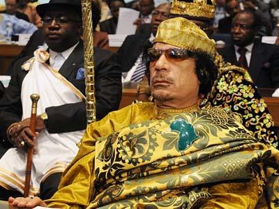 Fotbalul coboară în tranşee! 17 fotbalişti şi antrenori libieni luptă pentru îndepărtarea lui Kadhafi