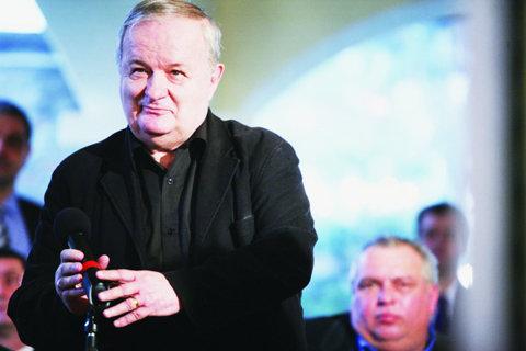 Politicul vrea să ajute sportul: Iordănescu şi Ţopescu umblă la impozite!