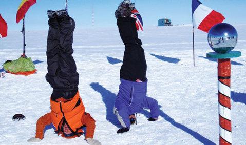 Super reportaj ProSport! Prizonier la Pol la - 42 de grade C! Povestea primilor români care au ajuns pe schiuri la Polul Sud