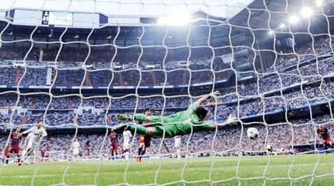 Barcelona - Real se joacă şi pe FACEBOOK! CU CINE ŢII? Demonstrează-le tuturor că îţi cunoşti favoriţii!