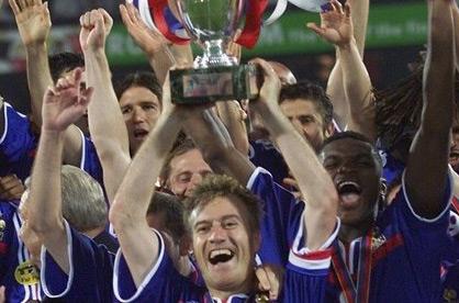EURO 2000 - După titlul mondial, Franţa bifează şi europeanul