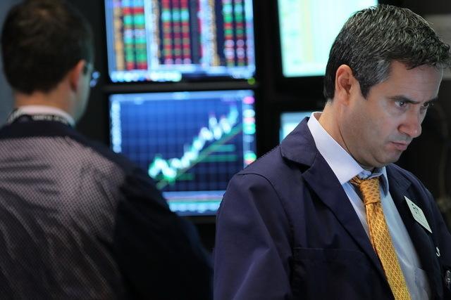 Topul celor mai lichide acţiuni de pe bursa de la Bucureşti: în cât timp poţi cumpăra sau vinde acţiuni de un milion de euro