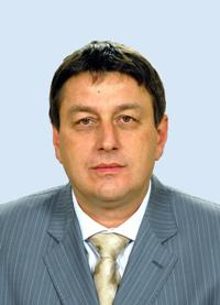 Senatorul Ovidiu Marian a iniţiat în iunie 2009 proiectul de lege privind eliminarea pragului la SIF-uri, care s-a transformat în ridicarea pragului la 5%