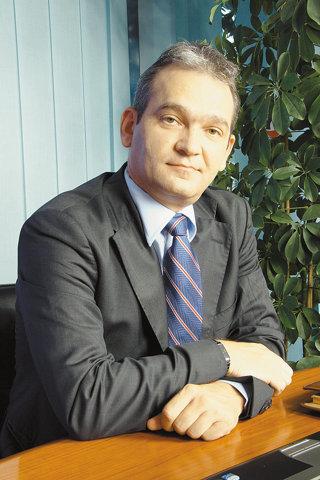 "BCR devine ""agent imobiliar"" pentru a stimula creditele"