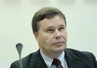 Franks:Aplicarea noilor reglementări la creditele vechi ar putea avea efecte negative pentru România