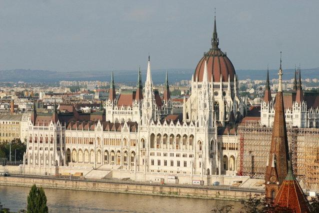 """Ungaria calcă pe urmele Argentinei în """"coşmarul"""" pensiilor private"""