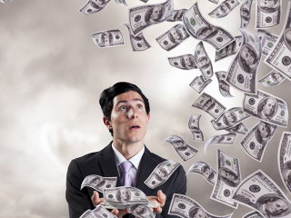 Profesor în satre de şoc, după ce a descoperit că pe card i s-au livrat 10 miliarde de dolari