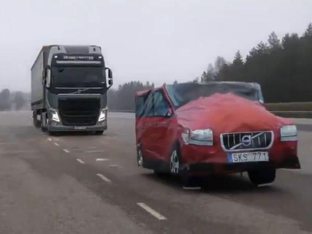 Suedezii de la Volvo au inventat sistemul de frânare care nu te lasă să faci accident. VIDEO